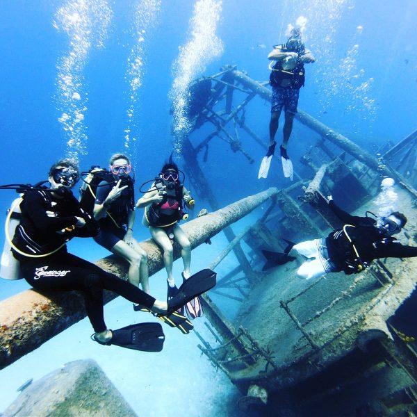 Scuba Diving the Kittiwake, Grand Cayman, Cayman Islands